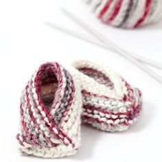 Easy, knit, baby booties. Free pattern.