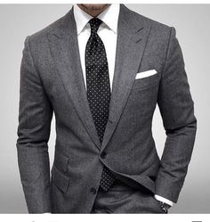 Everyone needs a charcoal suit! Grey Tweed Suit, Grey Suit Men, Tweed Suits, Grey Suits, Smart Casual Men Work, Stylish Men, Mens Fashion Suits, Mens Suits, Fashion Top