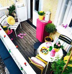 Lots of color in your garden! [ From: http://www.kleurinspiratie.nl/inspiratie-en-tips/inspiratie-inspiratie-en-tips/fleur-je-balkon-en-tuin-op-met-kleur.html ]
