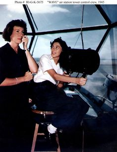 Women air traffic controllers during WWII (1945).