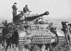 """Panzerkampfwagen IV (Special) Ausf F2  Panzer Grenadier Division """"Grossdeutschland"""", Eastern Front, Summer of 1942. #WorldWar2 #Tanks"""