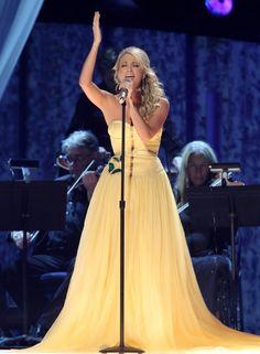 LOVE her dress! :)