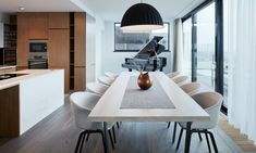 Objectum navrhli interiér Penthouse F6.1 svýhledem napražský Smíchov