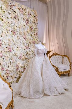 real wedding photo white and gold wedding planned by natalie sofer weddings and events glamorous ball gown with white pink flower wall Wedding Events, Wedding Gowns, Ballroom Wedding, Flower Wall, Event Decor, All Over The World, Gold Wedding, Pink Flowers, Real Weddings