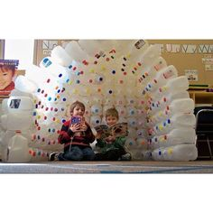 Build an igloo out of recycled milk jugs. I posted this under fun with learning, because what is not fun about a milk carton igloo and learning about recycling. Projects For Kids, Crafts For Kids, Diy Projects, Diy Crafts, Kids Diy, Toddler Crafts, Milk Jug Igloo, Milk Jugs, Milk Cartons