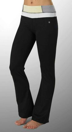 Bally Total Fitness Tummy Control Capris in Smoke Grey Size L-$55 Value
