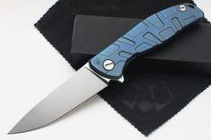 Shirogorov-Flipper-95-T-S30V-Blue-Anodized-Carbon-fiber-Titan-w-bearings