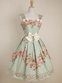 Vintage dress that would really suite a tea party.