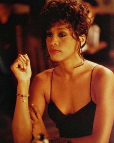 what is life 😪 whitneyhouston explorepage nippy legend music diva queen newpost share blackgirlmagic goat excellence waitingtoexhale legendary whitney saturday singer blessed lastpost iwillalwaysloveyou Beverly Hills, Whitney Houston Pictures, Vintage Black Glamour, Black Celebrities, Celebs, Star Wars, Timeless Beauty, American Singers, Black Girl Magic
