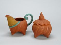 Untitled sugar and creamer set, 1995; earthenware, partially unglazed; Gift of Frieda Bradsher R2007.2.0032-33