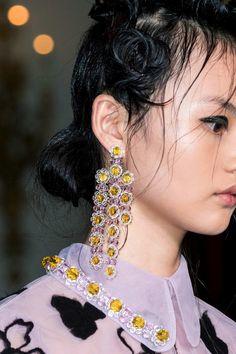Tendenza moda Autunno-Inverno 2016-2017: gli orecchini