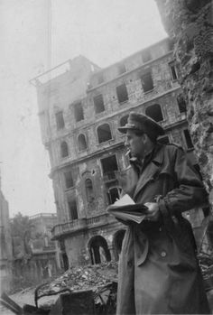 British artist/illustrator/writer/poet Mervyn Peake sketching in Germany, 1945.