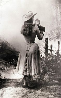 Annie Oakley, Trick-Shooting.