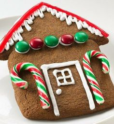 Holiday House Cookies ~ Gather the family to bake and decorate gingerbread houses. It's sweet fun, made easy with cookie mix.