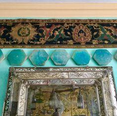#TurquoiseTiles #TurquoisePaint #MoroccanLanterns Turquoise Painting, Moroccan Lanterns, Morocco, Painted Furniture, Tiles, Decorative Boxes, Patterns, Instagram, Home Decor