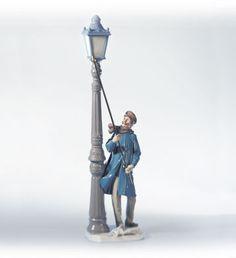 Lladro 05205 Lamplighter