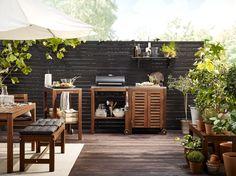 ÄPPLARÖ / KLASEN houtskoolbarbecue | #IKEA #IKEAnl #inspiratie #bbq #tuin #tuinset #zomer #planten