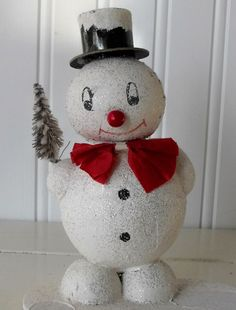 "♥ use ""string balls"" Antique Christmas, Christmas Past, Merry Christmas And Happy New Year, Retro Christmas, Christmas Candy, Christmas Snowman, Simple Christmas, Holiday Fun, Christmas Holidays"