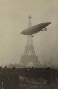 """Paris, 1903 dirigible """"Le Jaune"""""""