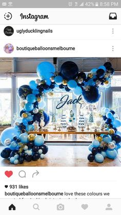 Blue elegant balloons