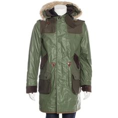 Pre-owned Junya Watanabe Shearling-Trimmed Layered Parka ($625) ❤ liked on Polyvore featuring men's fashion, men's clothing, men's outerwear, men's coats, green, mens coats, mens parka, mens fur hood coat and mens fur hood parka