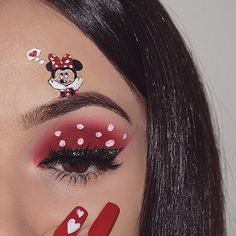 Minnie Mouse (Make-Up by NasiaBelli Disney Character Makeup, Disney Eye Makeup, Disney Inspired Makeup, Eye Makeup Art, Cute Makeup, Minnie Mouse Halloween Costume, Minnie Mouse Party, Mini Mouse Makeup, Diy Minnie Mouse Makeup