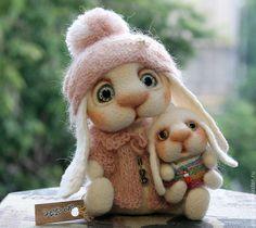 Needle felted mom and baby rabbit by Ulyana Shevchenko