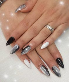 My work, nail art, dark&white, love - - Nageldesign - Fancy Nails, Trendy Nails, Work Nails, Great Nails, Glitter Nail Art, Glitter Bomb, Super Nails, Nagel Gel, Stiletto Nails