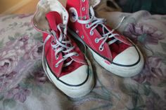866bb08c06c54f Items similar to Vintage Red Converse All Star Made in USA High Top size 4  on Etsy