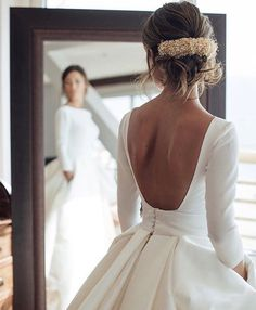 Wedding Gown - Buy Ball Gown Long Sleeve Backless Ivory Wedding Dresses Long Cheap Bridal Dresses in uk.Shop our beautiful collection of unique and convertible long Prom dresses from PromDress.me.uk,offers long bridesmaid dresses for women in the UK. Wedding Dresses 2018, Bridal Dresses, Gown Wedding, Ivory Wedding, Winter Wedding Dresses, Hair Wedding, Winter Ball Dresses, Rustic Wedding, Wedding Reception