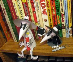Spy vs. Spy paper toys