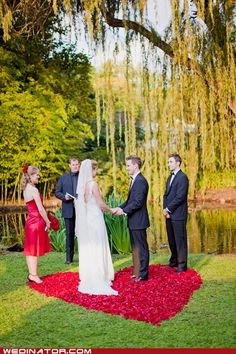 funny wedding photos - Just Pretty: Petal Precise