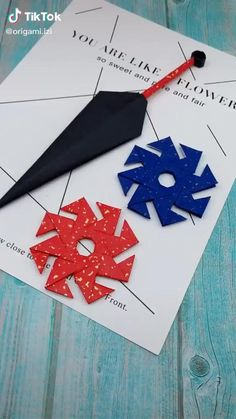 Origami Shuriken, Instruções Origami, Origami Videos, Cool Paper Crafts, Paper Crafts Origami, Diy Crafts Hacks, Diy Crafts Videos, Diy Projects, Diy Videos