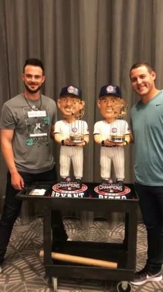 Page for the Bryzzo Bromance. Chicago Cubs Fans, Chicago Cubs World Series, Chicago Cubs Baseball, Cubs Players, Cubs Team, Baseball Players, Cub Sport, Cubs Win, Go Cubs Go