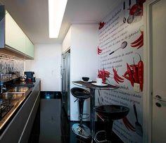 Adesivos com temas culinários são ideais para mudar uma cozinha inteira (Foto: Divulgação)