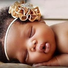 Golden Caramel Satin Rosette Headband With Rhinestone Embellishment Stunning Vintage Style Newborn Photo Prop - What a beautiful baby! Little Babies, Cute Babies, Baby Kids, Beautiful Black Babies, Beautiful Children, Beautiful Life, Simply Beautiful, Absolutely Gorgeous, Baby Pictures