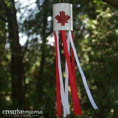Done - hand print for leaf, duck tapped ribbon on. The cutest red and white Canada Day crafts for kids Canada Day 150, Happy Canada Day, Crafts To Do, Crafts For Kids, Diy Crafts, Children Crafts, Canada Celebrations, Canada Day Crafts, Canada Day Party