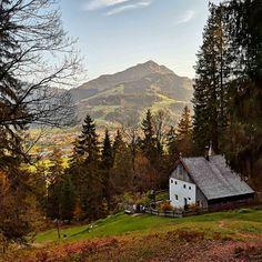 Einsiedelei – Bild des Monats im November 2019 Wilder Kaiser, November, Cabin, Mountains, House Styles, Nature, Gadgets, Travel, Blog