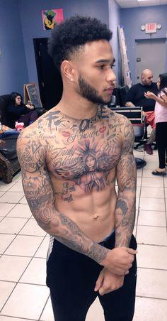 Mixed Boys with Tattoos Tattoo Black Skin, Black Men Tattoos, Boy Tattoos, Tattoos For Guys, Cute Black Guys, Black Boys, Cute Guys, Cool Chest Tattoos, Chest Piece Tattoos