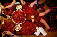 This Remote Restaurant In Louisiana Will Take You A Million Miles Away From Everything How To Devein Shrimp, Crawfish Season, Louisiana Crawfish, Crawfish Etouffee, Prime Steak, Plate Lunch, Fried Catfish, Chicken Tenders, Catering