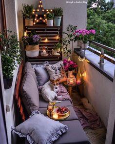 40 inspiring garden furniture ideas with small balcony for small apartments 40 # apartment Small Balcony Design, Small Balcony Garden, Small Balcony Decor, Outdoor Balcony, Small Balconies, Indoor Garden, Terrace Garden, Outdoor Areas, Small Balcony Furniture