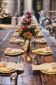 Buffet vs. Family Style vs. Plated, Which Dining Style is Perfect For You? - Wedding Party