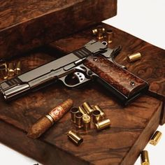 RAE Magazine Speedloaders will save you! Weapons Guns, Airsoft Guns, Guns And Ammo, Pocket Pistol, 1911 Pistol, Revolver, Shooting Guns, Shooting Range, Wilson Combat