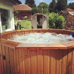 Siedende Hitze im Garten  Indoor Outdoor, Outdoor Sauna, Outdoor Decor, Diy Sauna, Sauna Kits, Aqua, Instagram Posts, Home Decor, Bathing
