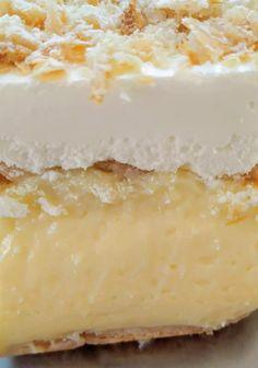 """Νόστιμη συνταγή μαγειρικής από """"Βάνα Ντελή-Χρυσές Συνταγές""""       Όλη την επιτυχία  την εγγυάται η καλή κρέμα!    ΥΛΙΚΑ  3 πακέτα σφολιατίνια  1 λίτρο φρέσκο γάλα  3κ.σ ζάχαρη  1 κουτί ζαχαρούχο γάλα(μεγάλο)  1/2 πακέτο βούτυρο (της αρεσκείας μας)  1 άνθος αραβοσίτου βανίλια Vanilla Cake, Cheesecake, Desserts, Food, Tailgate Desserts, Deserts, Cheesecakes, Essen, Postres"""