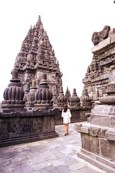 10 Stunning Attractions You Can't Miss in Yogyakarta City, Indonesia Id Travel, Wanderlust Travel, Solo Travel, Travel Style, Travel Fashion, Amazing Destinations, Travel Destinations, Borobudur, Sunset Photography