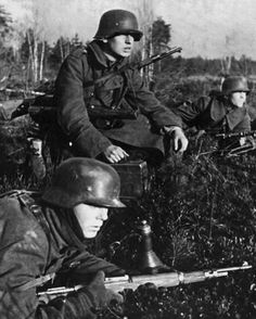 """108 Likes, 3 Comments - @german_forces_33 on Instagram: """"Waiting for the order to attack. Nevel, Russia. December 1942.  #wehrmacht #luftwaffe #kriegsmarine…"""""""