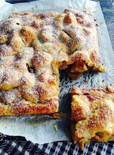 Feijoa and Apple Pie