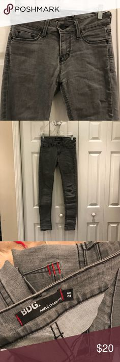 BDG grey washed cigarette jeans EUC gray washed out ankle cigarette jeans from BDG at Urban Outfitters. Super comfortable and slightly stretchy. Size 26 BDG Jeans Skinny