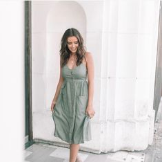 Fashion: Our Tips And Tricks Are Tops. Having bad fashion sense is also bad for self-esteem. Summer Outfits, Cute Outfits, Summer Dresses, Stylish Outfits, Jess And Gabe, Jess Conte, Casual Dresses, Fashion Dresses, Bad Fashion